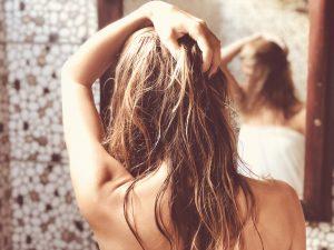 髪のダメージ度チェック